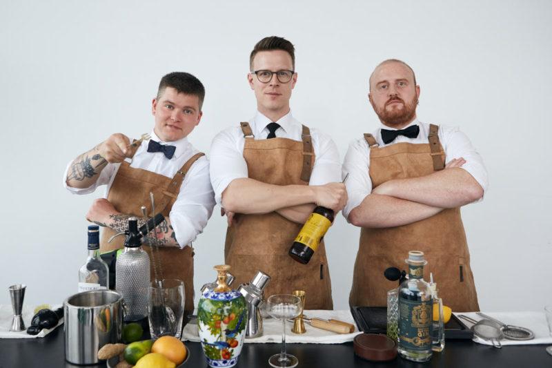 Cocktail Academys bar team der er klar til at servere lækre cocktail tilt tørstige gæster og som har stillet alt til til service.